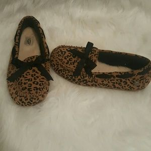 ⭕Ugg loafers